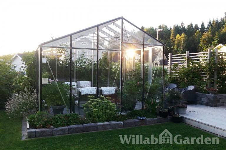 FUNKIS 5 - Växthus med olika sidohöjder som ger spännande karaktär