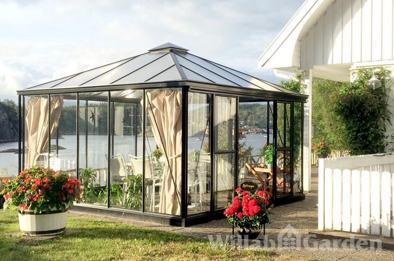PYROLA - Vackert växthus som passar utmärkt som lusthus